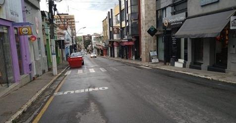 Diminuição de circulação de veículos e pedestres pela Rua Santana