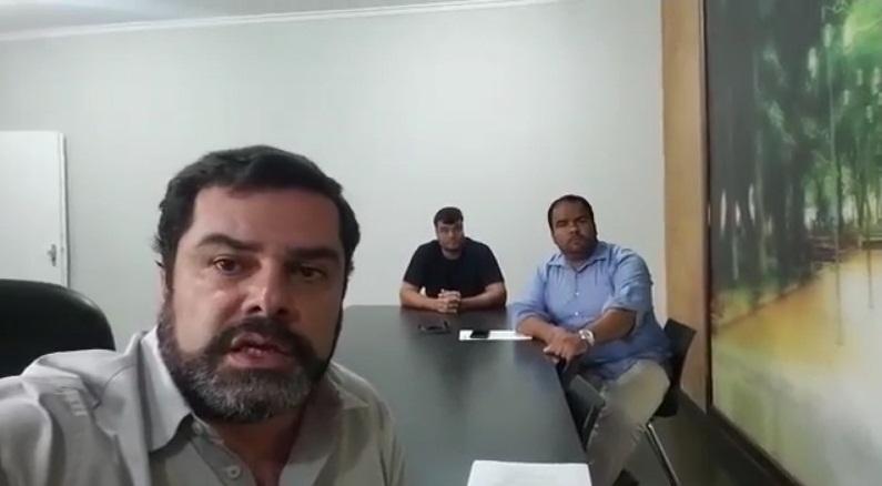 Na foto o prefeito José Cherem e os diretores do CDL