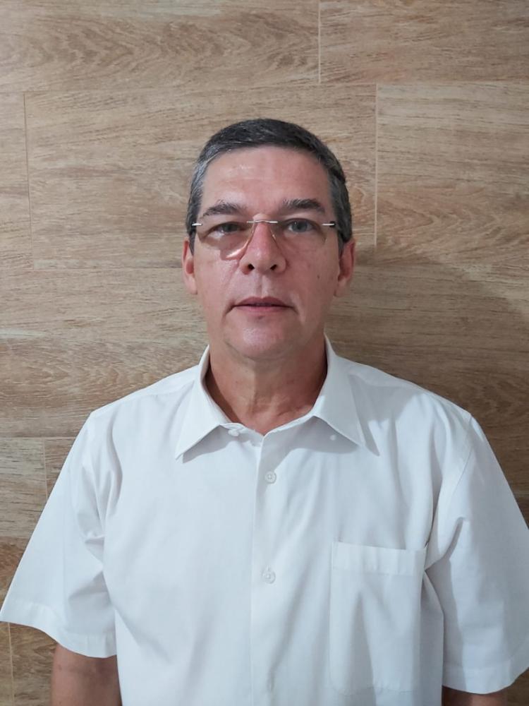 O pediatra José Luiz de Lima possui mais de 40 anos de atuação